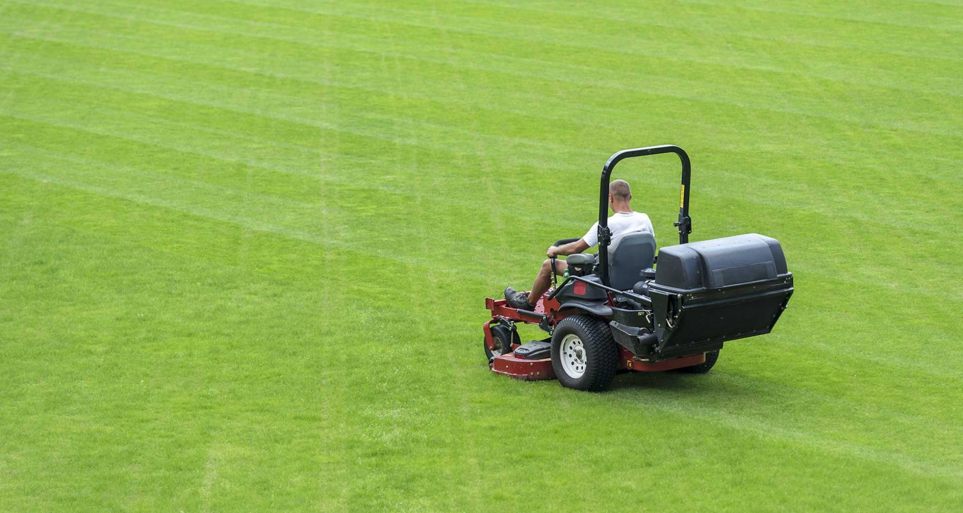 Striping a lawn with a zero turn mower
