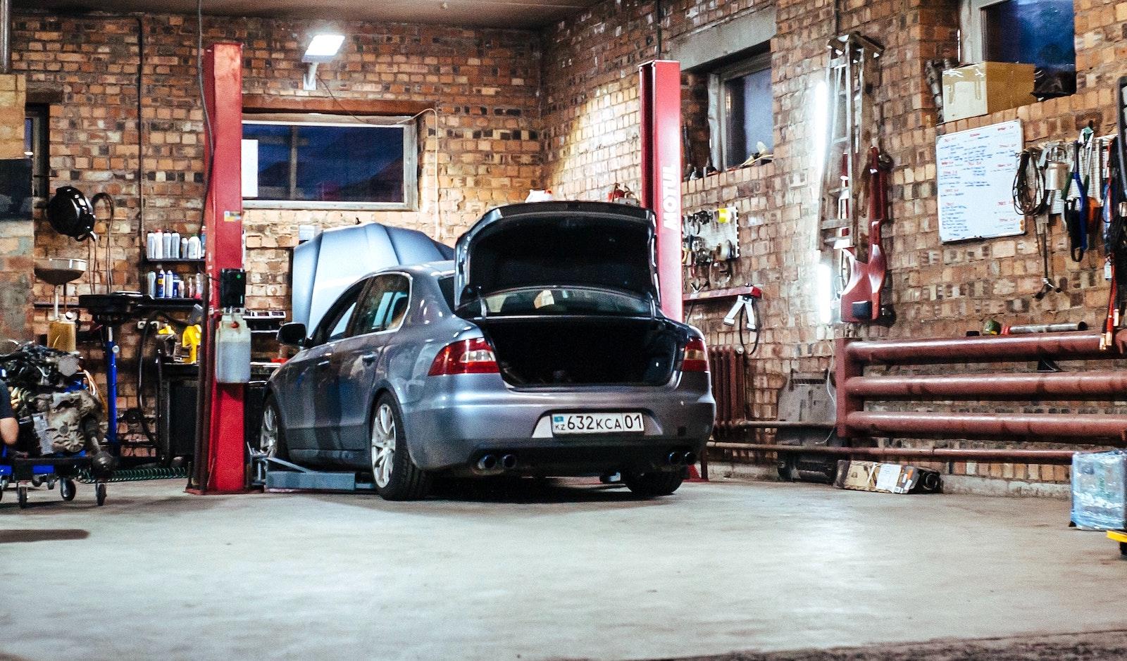 Alternative to a garage concrete floor