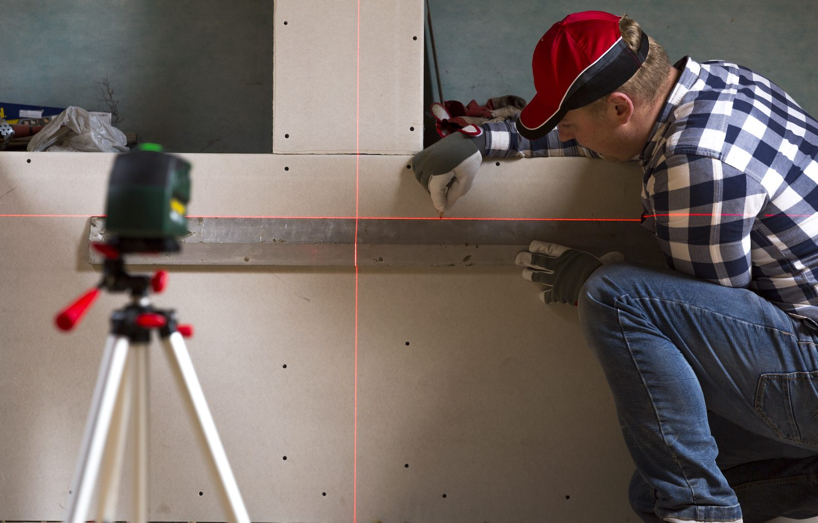 How to Calibrate a laser level